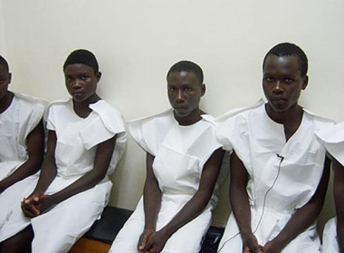 uganda-youth-waiting-for-circumcision.pix-scgdian07